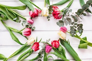 Wreath frame with tulips