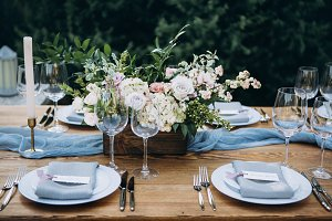 Pretty wedding table decoration