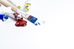 Used paint brushes closeup
