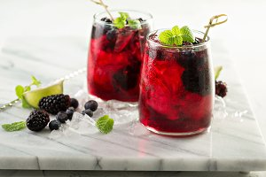 Summer berry drink with lime