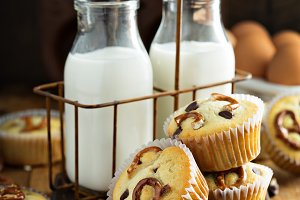 Chocolate chip and pretzel muffins