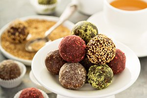 Healthy truffles with dates and nuts