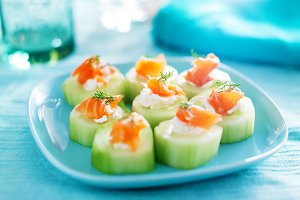 cucumber and smoked salmon roll