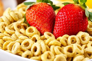 Cereal with milk and strawberries