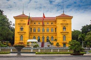 Timelapse of Hanoi Opera House Vietnam