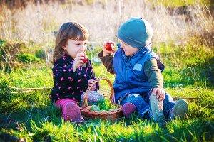 children easter picnic.