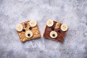 Sandwiches in shape of bear