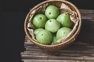 Green mountain apples