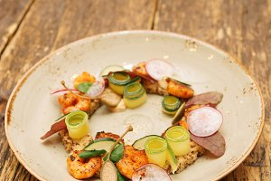 Starter dish with shrimps, toned