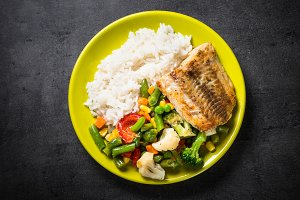 Fish, rise and vegetables.