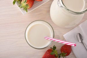 Milk and strawberries top