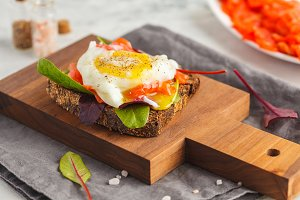 sandwich with egg poached, red fish