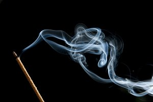 candle smoke odor