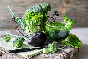 Green detox smoothie with vegetables
