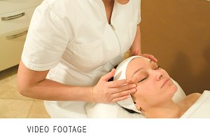Facial massage with accent