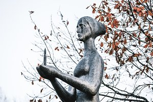 Bronze monument of grieving mother