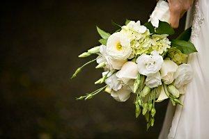 White flower bouquet 4