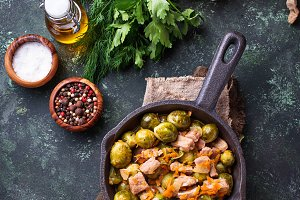 Roasted brussels sprouts with meat