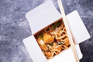 Noodles with tofu and vegetable in box