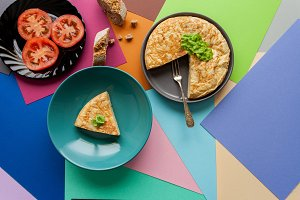 Spanish omelette and tomato