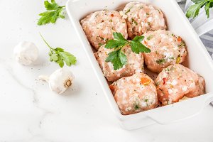 Raw chicken meatballs