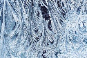 морозный узор на стекле