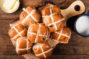 Easter Breakfast with Hot Cross Buns
