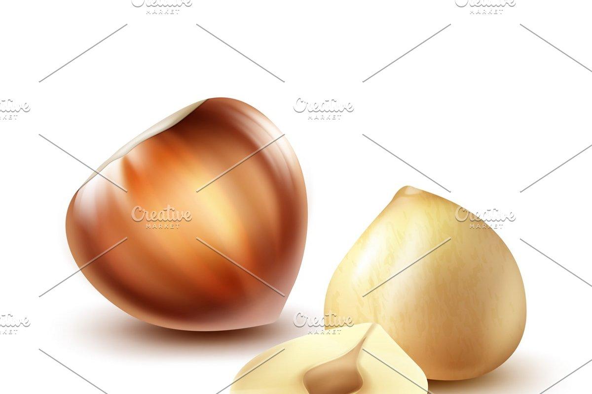 Whole and cut hazelnuts