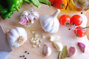 Prepared white garlic