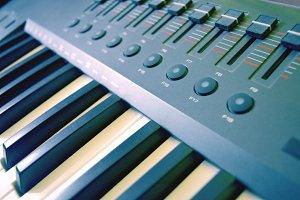 Digital Piano Mixer