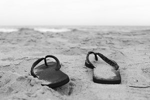 Sandals in  Coastline Black  White