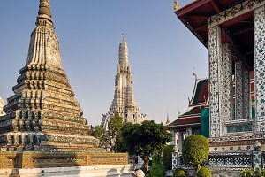 Tourist in Wat Arun
