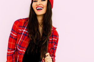 Happy brunette Model Fashion Checker