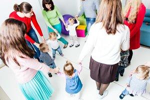 Round dance in the kindergarten