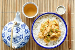 Chicken with rice and green tea