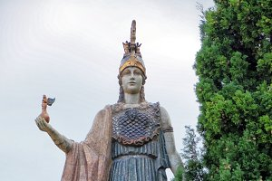 Statue of Athena Nike in Valencia