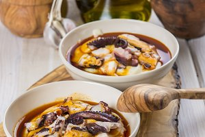Potato emulsion with octopus and paprika sauce
