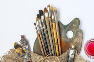 Artistic equipment