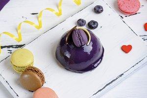 lilac round cake