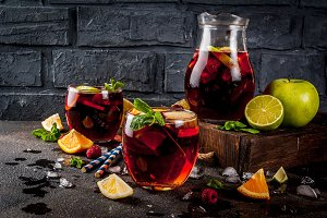 Summer cold sangria
