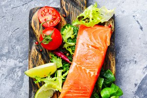Salmon fillet with aromatic herbs