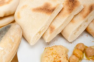 fresh hummus and pita bread 020.jpg