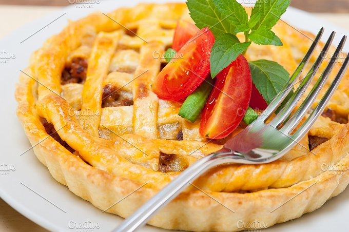 beef pie 008.jpg - Food & Drink