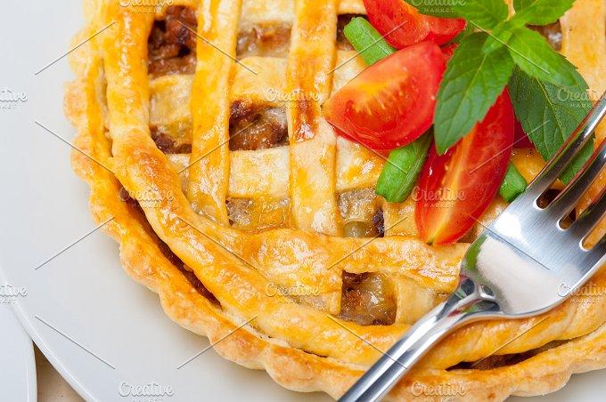 beef pie 010.jpg - Food & Drink
