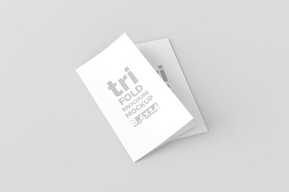 14x8.5 Trifold Brochure Mockup