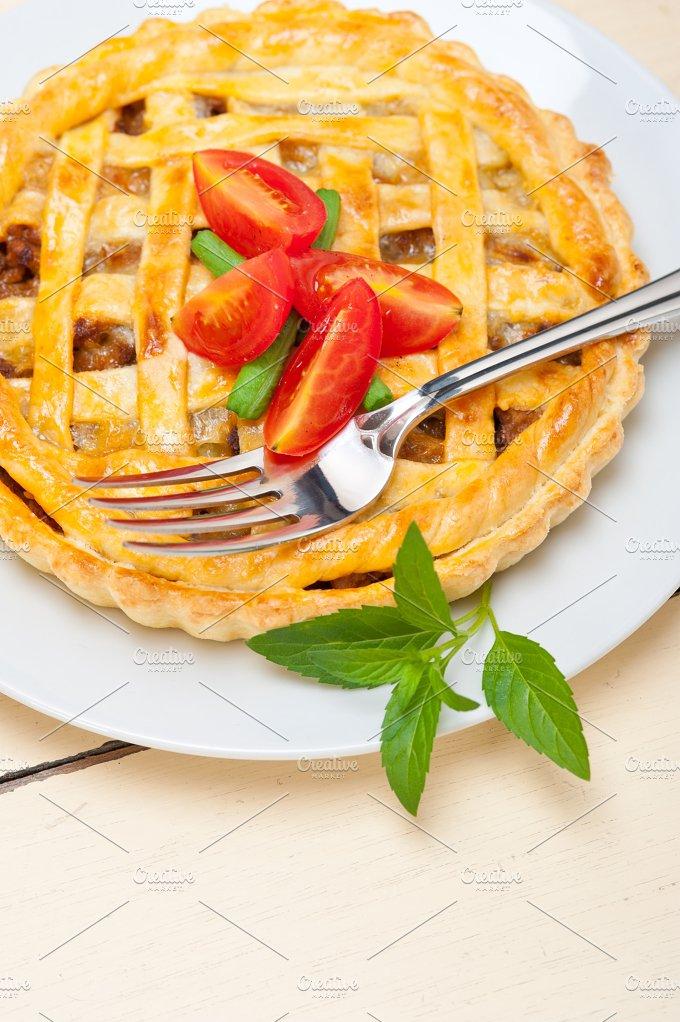beef pie 050.jpg - Food & Drink