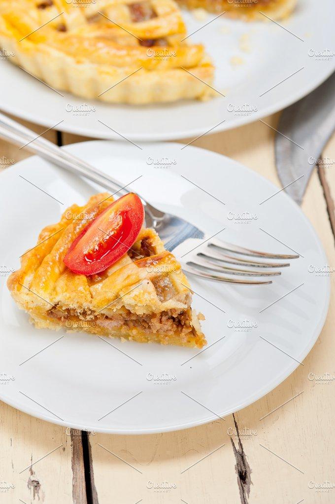 beef pie tart 002.jpg - Food & Drink