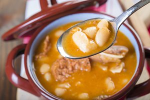 White beans and pork meat stew