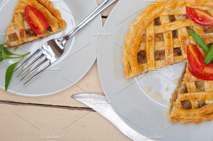 beef pie tart 014.jpg - Food & Drink