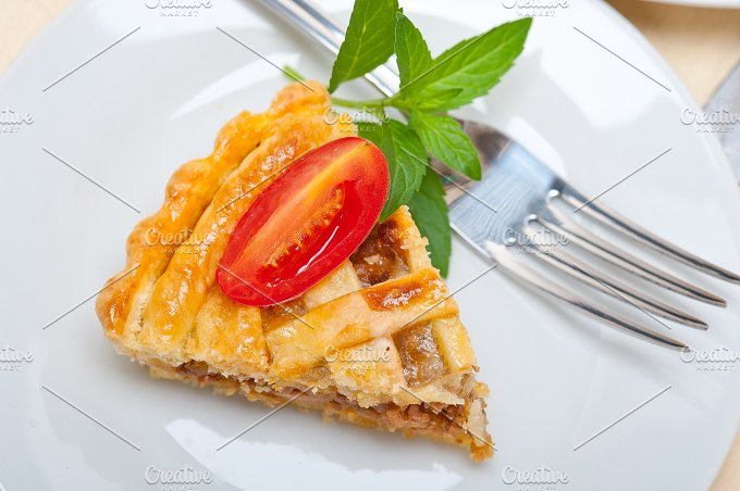 beef pie tart 027.jpg - Food & Drink